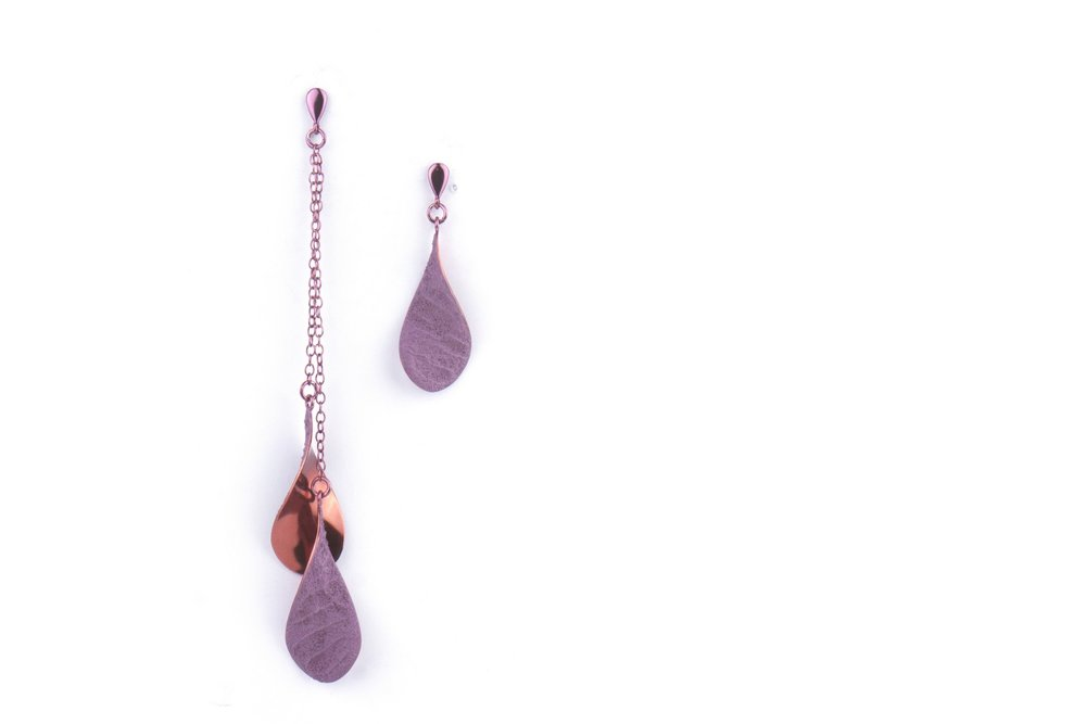 TINKLE earrings with the chain - maroon. Materials: silver, special coating, structure medium
