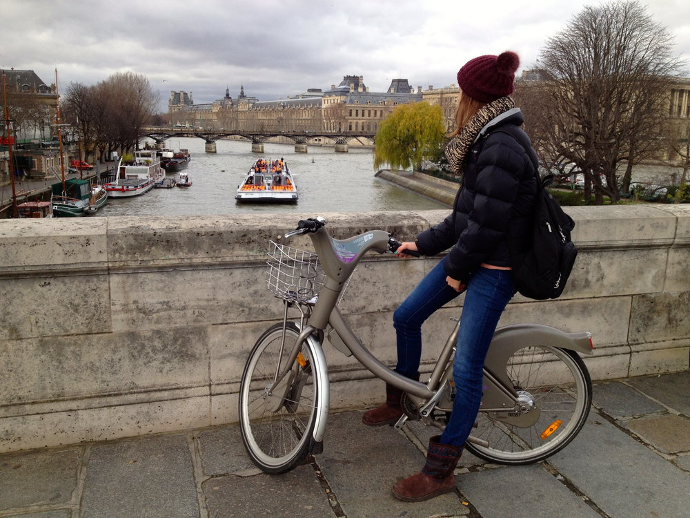 velib-cycling-in-paris-bicycle-seine-paris.JPG