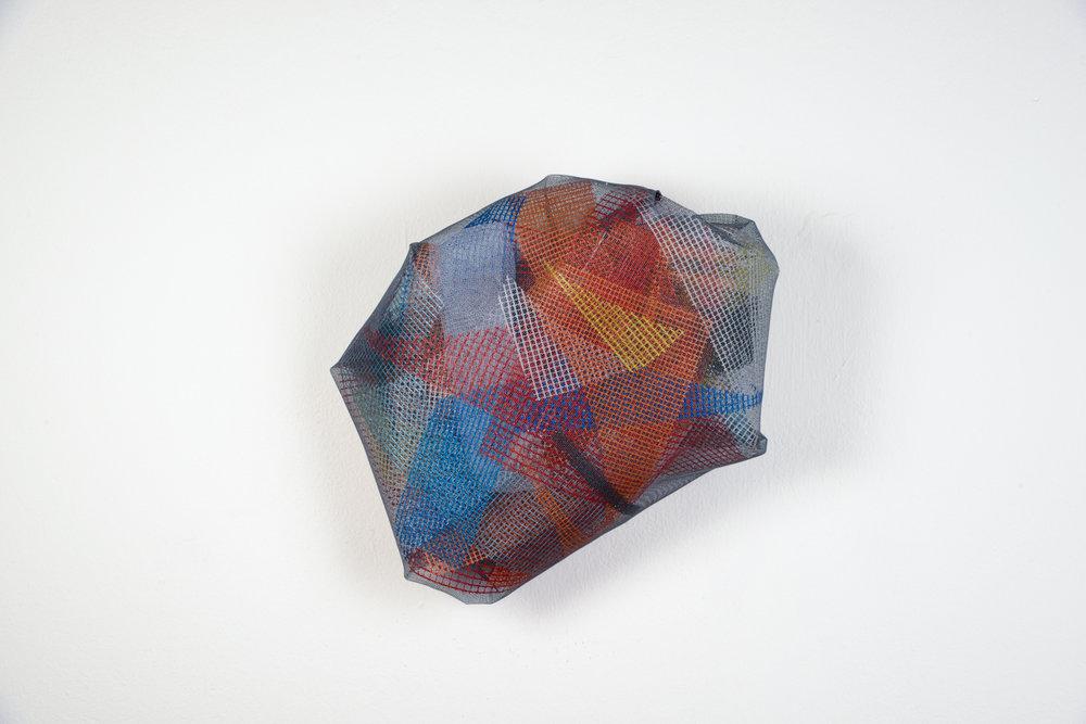 Meteorite , 2016,rete di plastica,48 x 40 x 15 cm