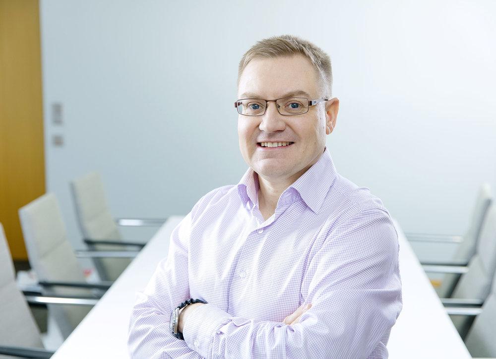 <span>Tapio Passinen (FIN)</span><span>Finnish Industry Investment Ltd</span>