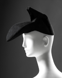 Schaiparelli's Shoe Hat