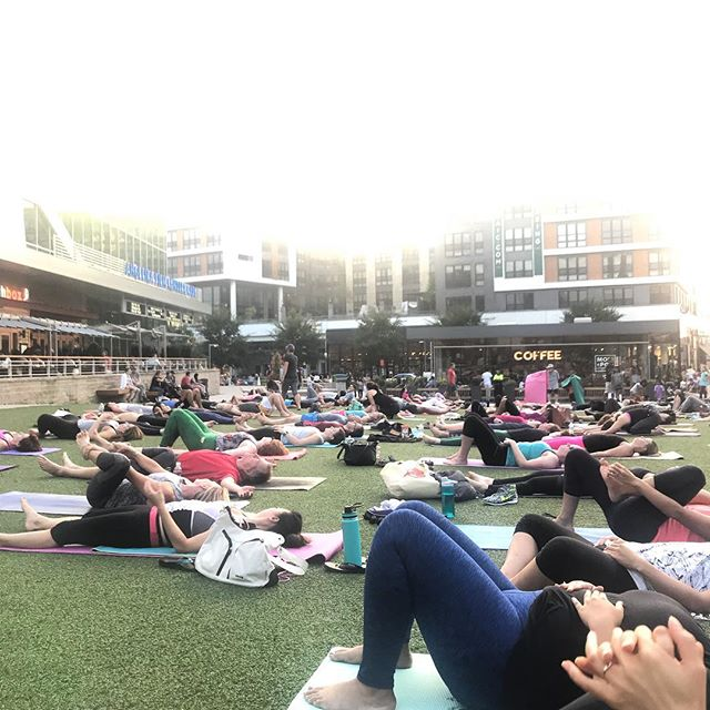 "First time all summer I actually made it to yoga in the park @mosaicdistrict 🧘🏼‍♀️ My yoga practice has been REALLY inconsistent the last 2 years (gee! I wonder why?! 🤔😂) 🧘🏼‍♀️ Tonight was a good reminder that yoga is not a ""nice to have."" For me, it's a nonnegotiable to function physically and feel sane... 🧘🏼‍♀️ Any moms out there who have also had to learn (or are still learning) their nonnegotiables the hard way? -  #keepitsimplesavvy #healthy #yoga #northernva #momlife"