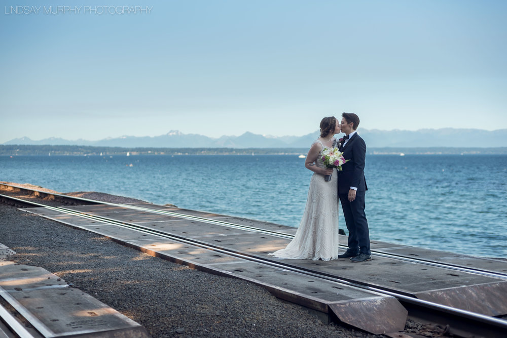 MV_Skansonia_Seattle_Wedding-20.jpg