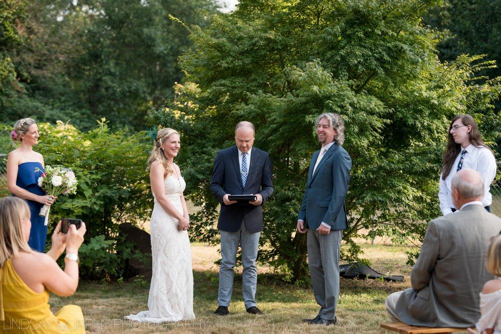 Backyard_Wedding-35.jpg