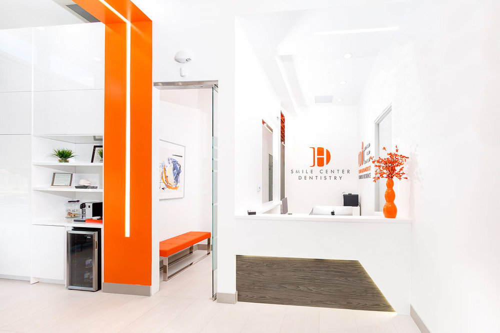 Smile-centre-Dental-Toronto-Design-Reception.jpg