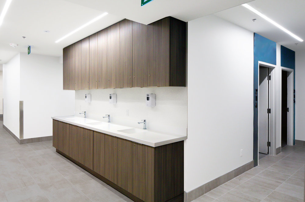 Canada_Toronto_Healthcare_Cardiology_Design_architect_Nurse-station-1.jpg
