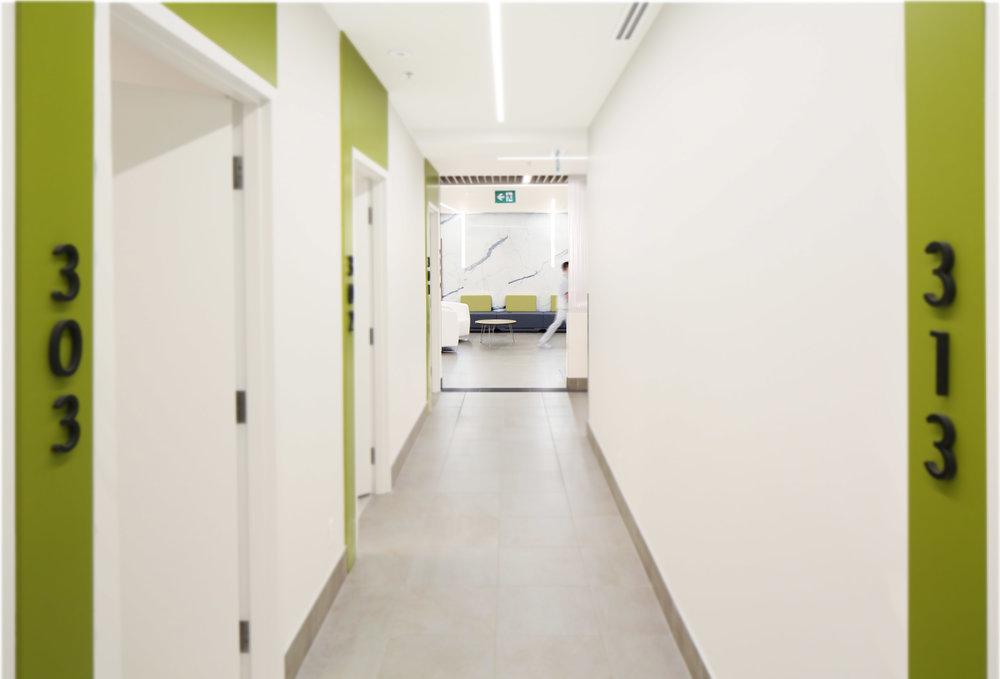 Canada_Toronto_Healthcare_Cardiology_Design_architect_corridor-3.jpg.jpg