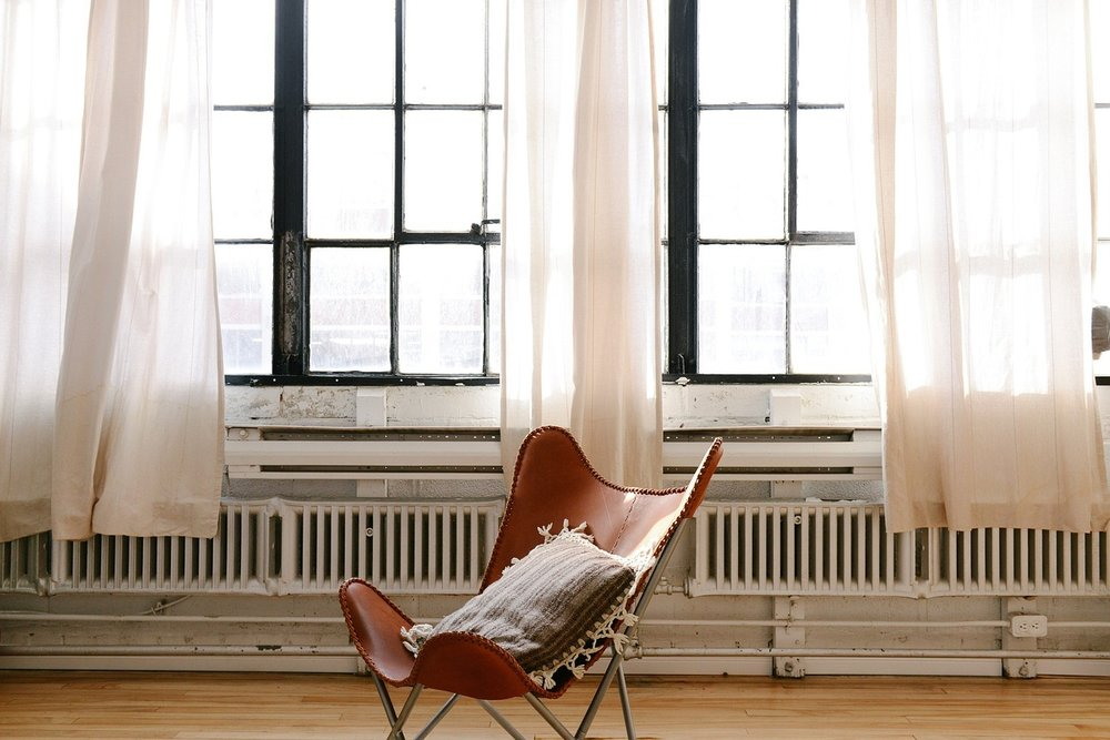 chair-690341_1280.jpg