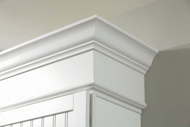 Crown moulding in a house