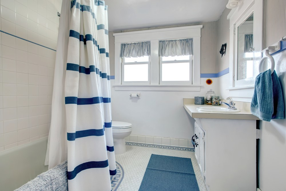 Inexpensive Ways to Fix Up a Bathroom