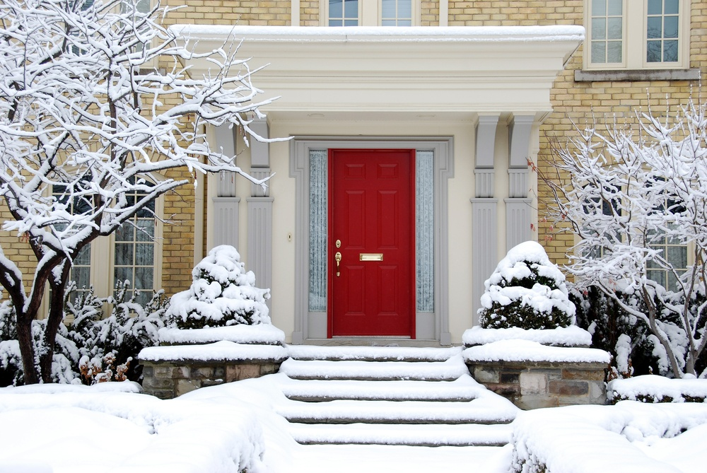 Improving Your Home's Curb Appeal During the Winter