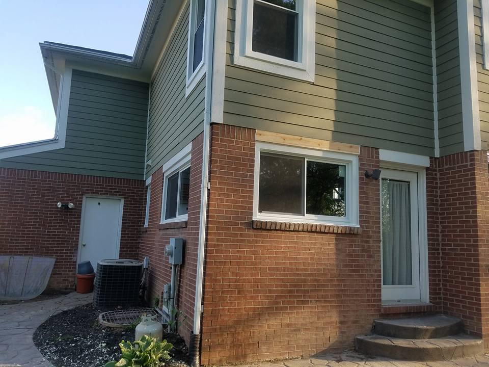 Center vent sliding windows wallside windows for Wallside windows