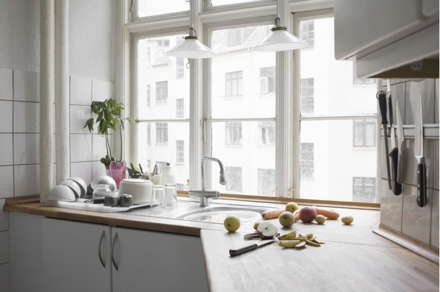 5 Excellent Options for Kitchen Window Treatments — Wallside Windows®