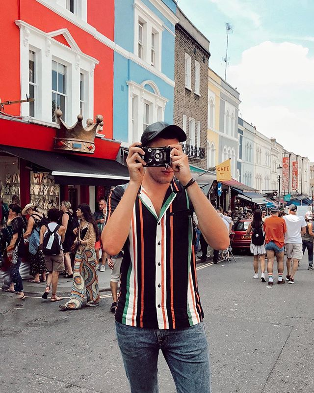 click click 📷 Playing around with all the vintage cameras today at Portobello Market in Notting Hill! I'm in love with this city! ❤️ @virginatlantic #bechoosy #theartofbeingchoosy #ad