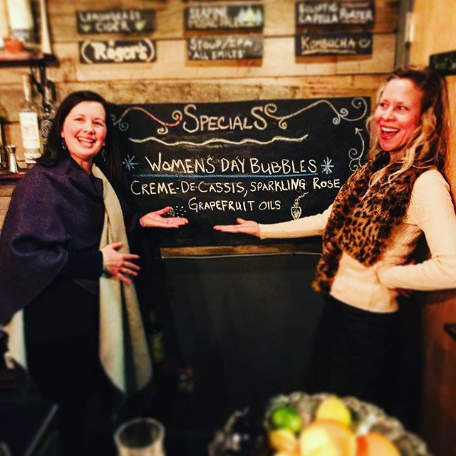 Power to the ladies of this Universe. 🙌👊 #internationalwomensday #specials #LadiesRuleBoysDrool #thenook #local #thenookseattle #drinks #dranks #cozyvibes
