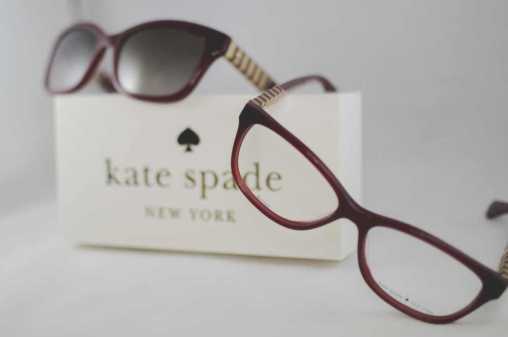Kate Spade New york - Crisp color, graphic prints, playful sophistication, and an exuberant approach to the everyday encourages personal style with a dash of incandescent charm.