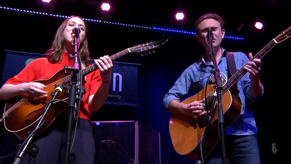 Sarah Jarosz - House Of Mercy (eTown webisode #1074).00_05_01_14.Still004.jpg