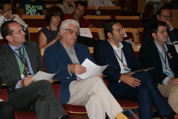 Ángel Hervella, Director de Gestión Local y Autonómica de Ecoembes (primero a la izquierda).