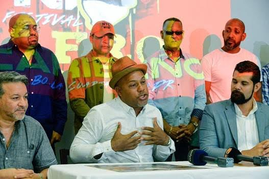 Angel Papote Alvarado director musical del Grupo Esencia y Presidente de Comité Pro-Cultura