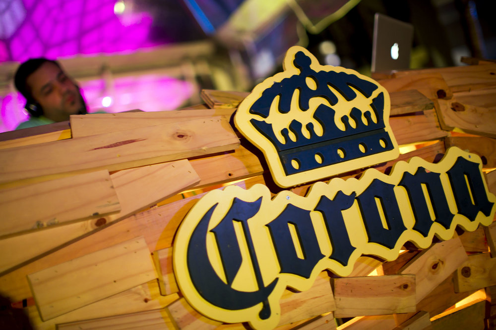 Booth de Corona Sunset Sessions junto a DJ Eskuche.JPG