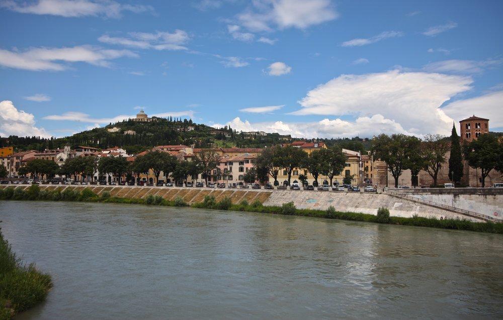Ponte Pietro - Castel San Pietro Piazzale  Castel S. Pietro, 2, 37129 Verona VR, Italy