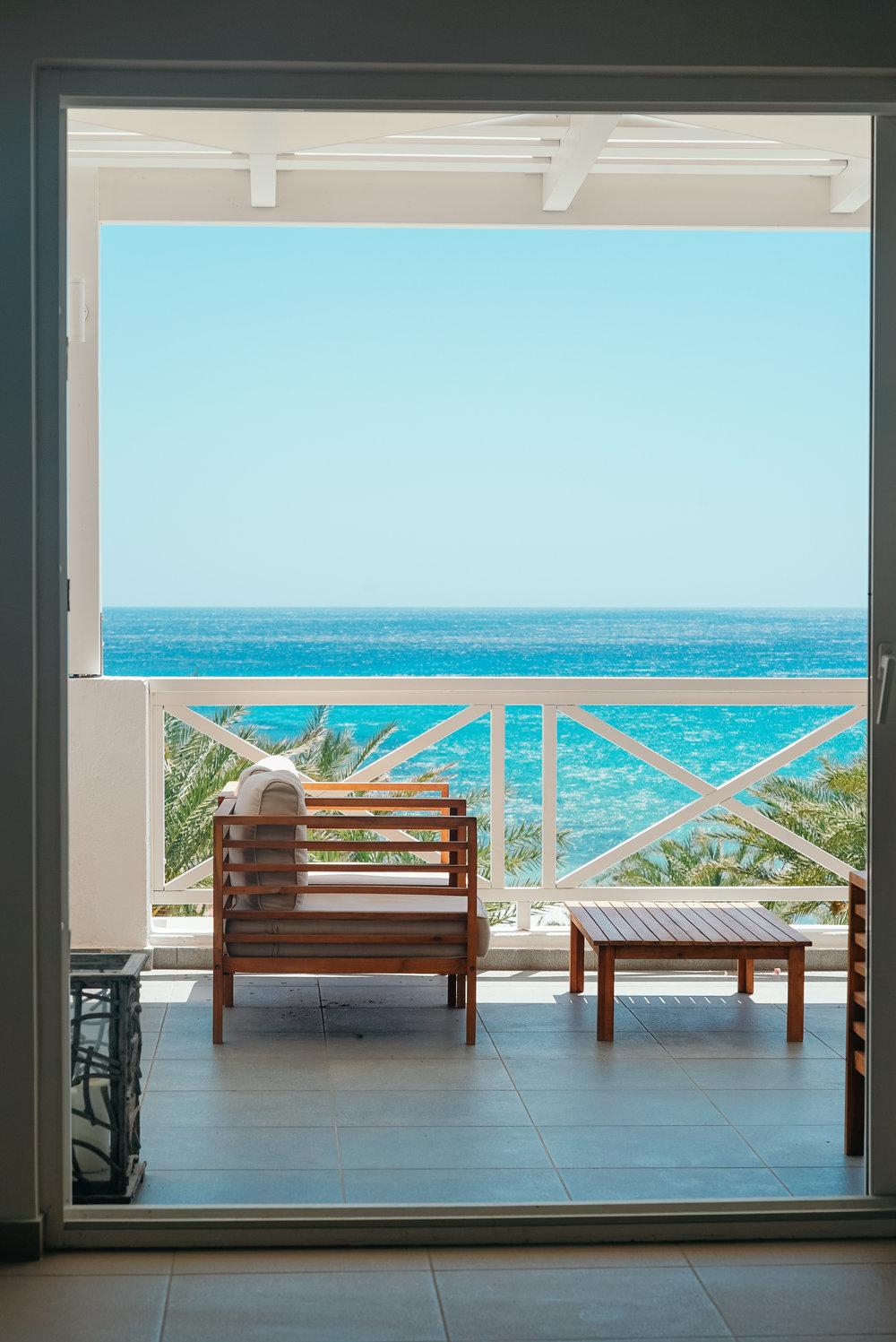 Golden Milos Bay - Reception/Lounge Area