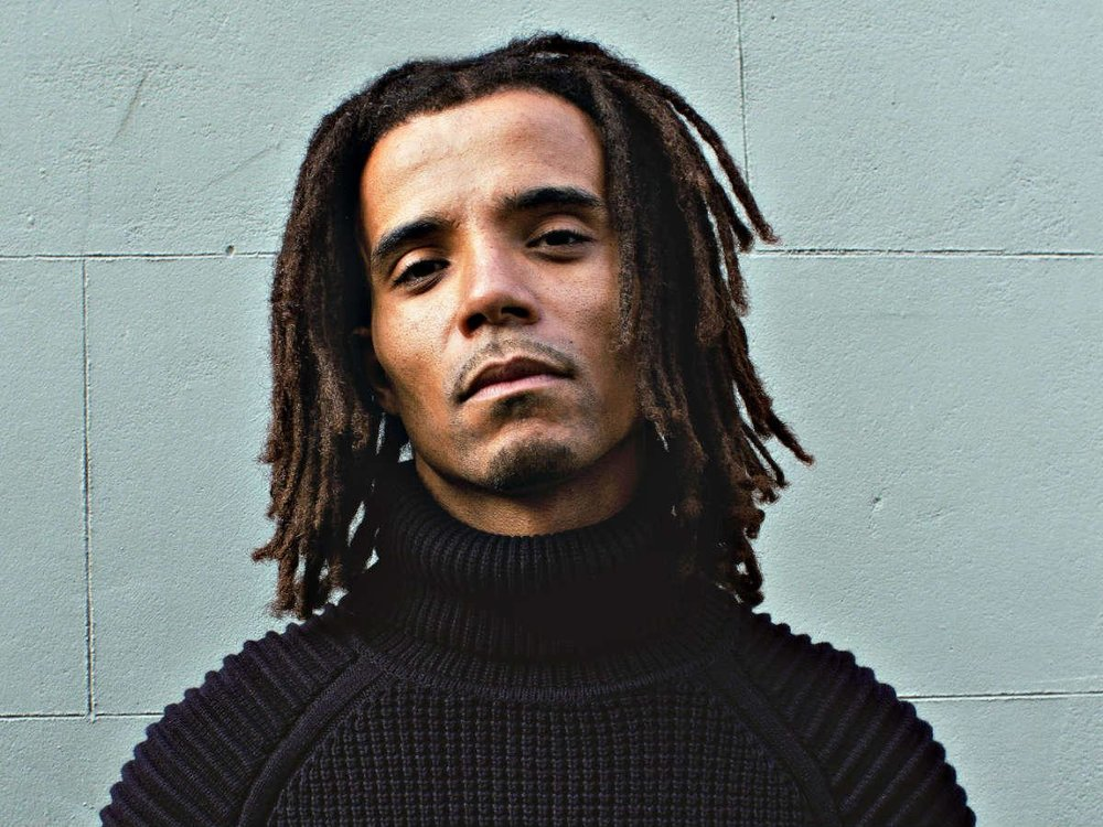 AKALA Akala is one of the most important voices in UK rap. His informed, critical engagement with issues of race, place, identity and inequality are musical, lyrical and incisive. Winner of Best Hip Hop Act at the 2006 MOBO Awards, the significance of his writing and observations has proven to extend beyond musical offerings into wider culture with guest lectures at universities around the country, featuring on TV programmes across a wide number of networks and writing articles for a range of new outlets.