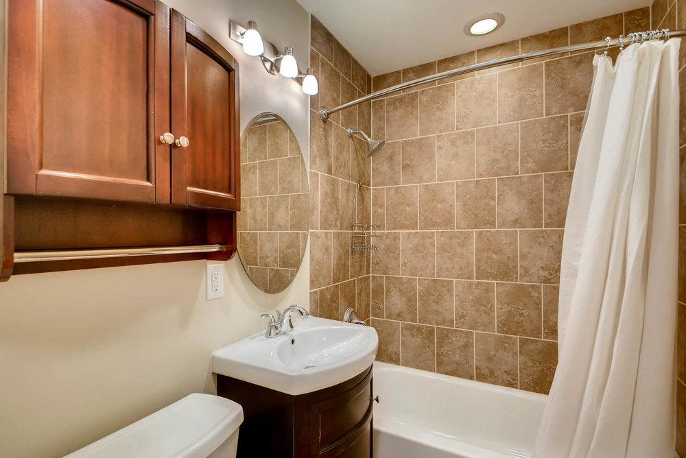 4630 7th St NE Minneapolis MN-large-017-11-Bathroom-1499x1000-72dpi.jpg