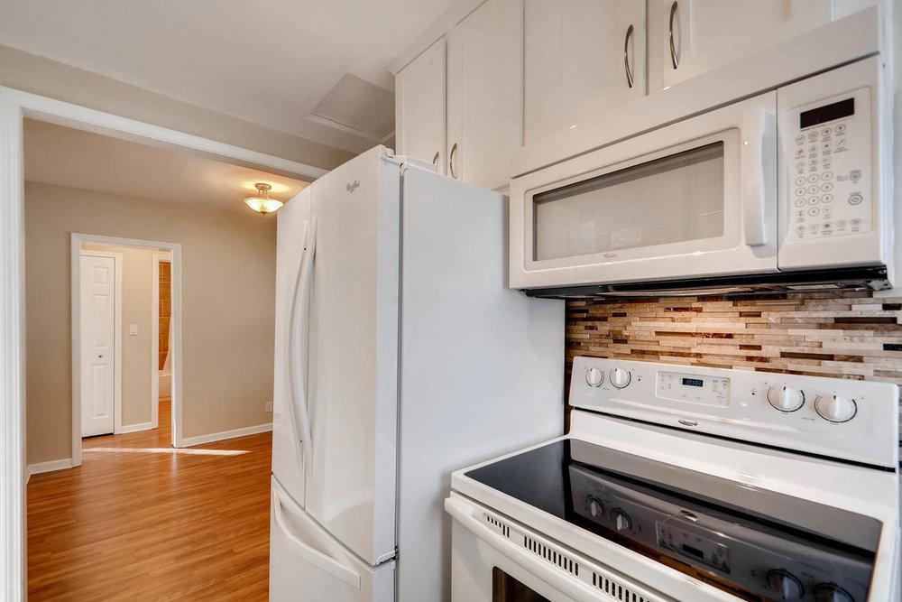 4630 7th St NE Minneapolis MN-large-012-23-Kitchen-1500x1000-72dpi.jpg