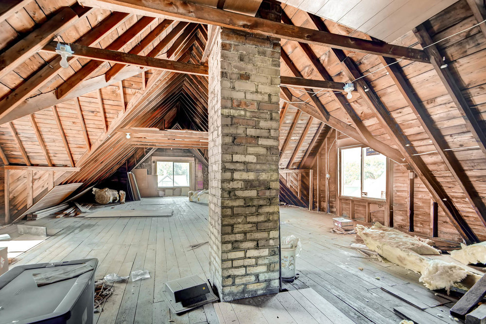 1121 Washington St NE-large-023-14-3rd Floor Loft-1500x1000-72dpi.jpg