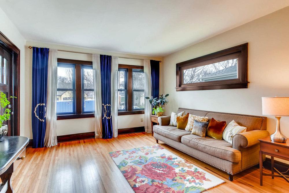 2622 Cleveland St NE-large-006-30-Living Room-1499x1000-72dpi.jpg