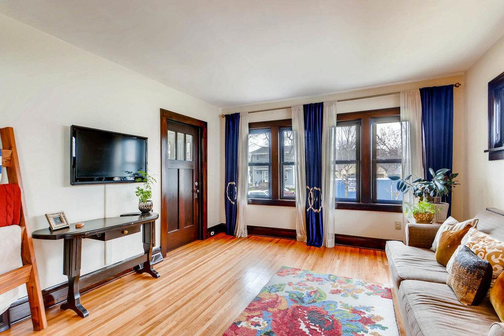2622 Cleveland St NE-large-007-34-Living Room-1500x1000-72dpi.jpg