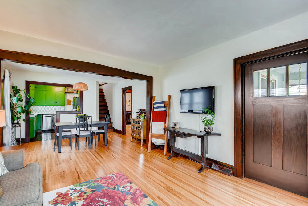 2622 Cleveland St NE-large-009-29-Living Room-1499x1000-72dpi.jpg