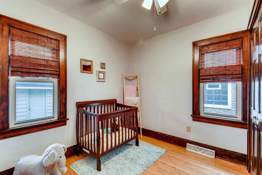 2622 Cleveland St NE-large-018-20-Bedroom-1499x1000-72dpi.jpg