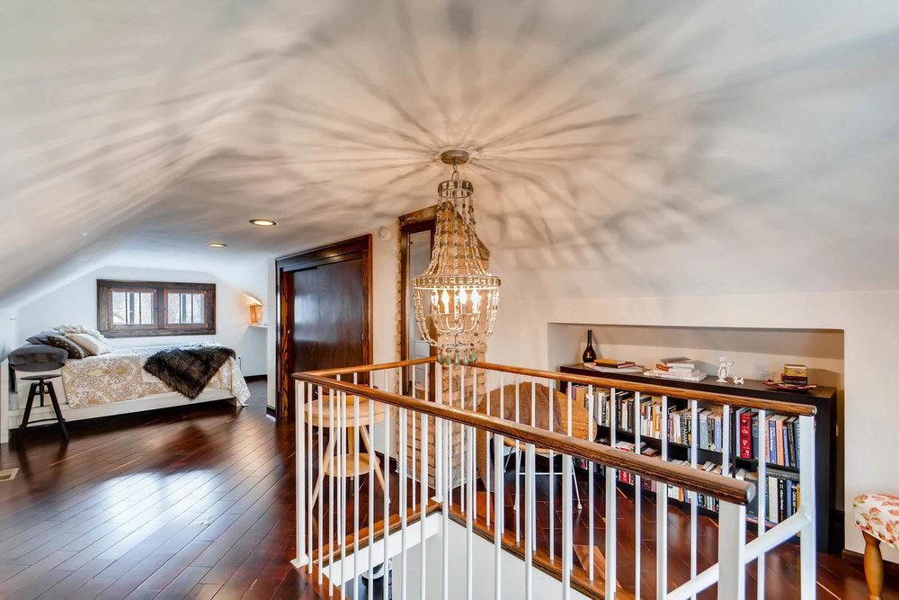 2622 Cleveland St NE-large-020-22-2nd Floor Bedroom-1500x1000-72dpi.jpg