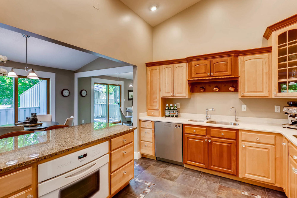 5701 Hyland Courts Minneapolis-large-012-26-2nd Floor Kitchen-1500x1000-72dpi.jpg