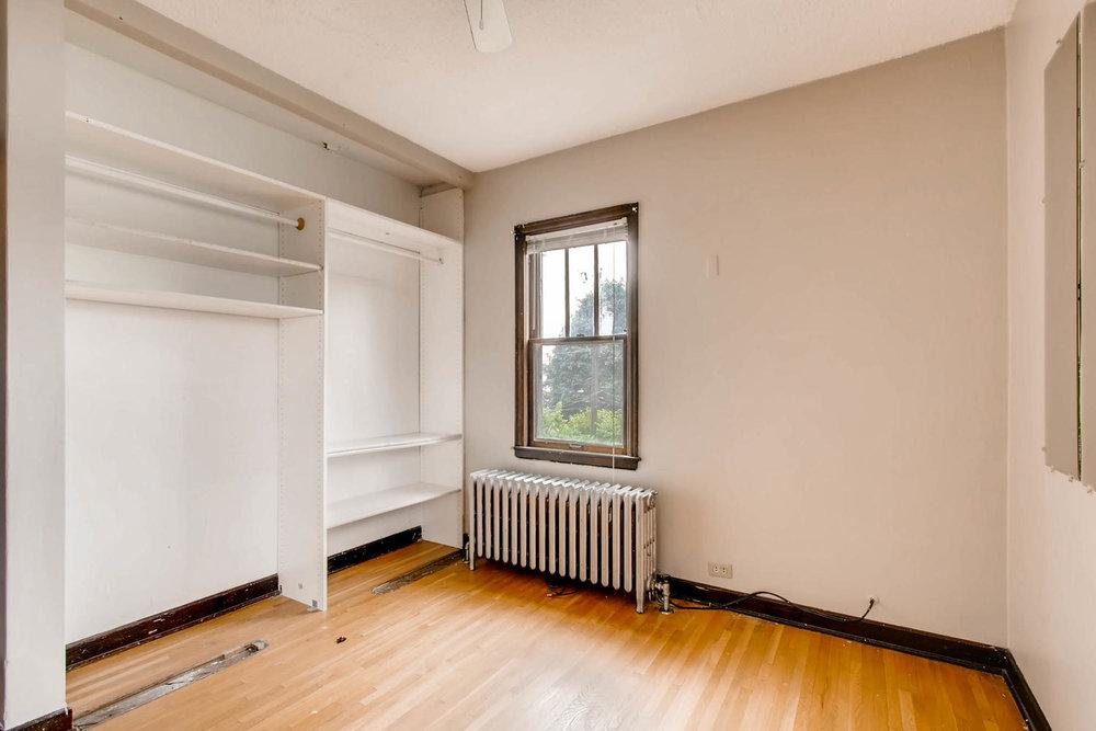 1010 2nd St NE Minneapolis MN-large-019-35-2nd Floor Bedroom-1500x1000-72dpi.jpg
