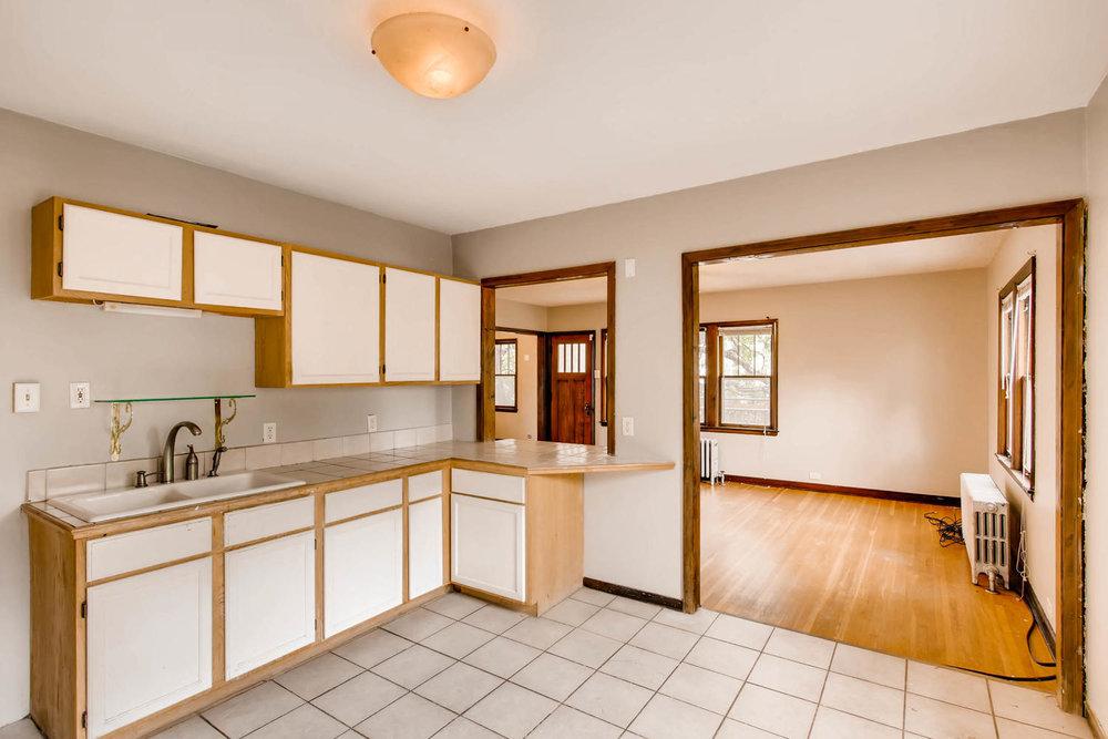 1010 2nd St NE Minneapolis MN-large-015-39-2nd Floor Kitchen-1500x1000-72dpi.jpg