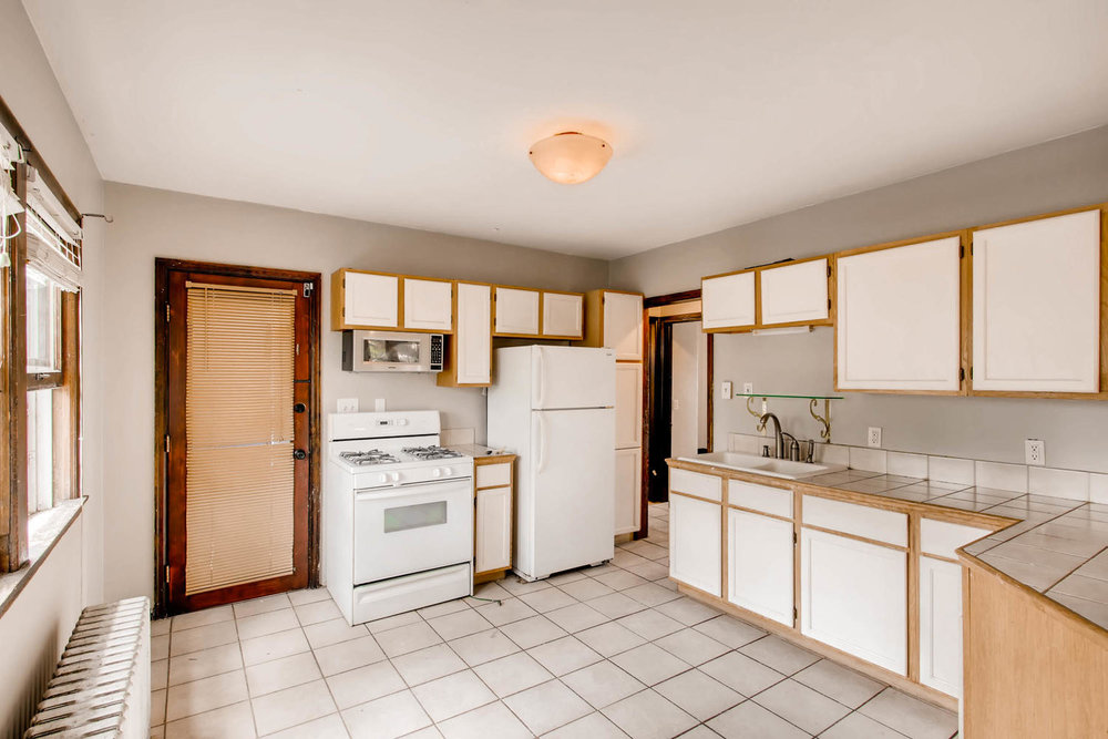 1010 2nd St NE Minneapolis MN-large-014-45-2nd Floor Kitchen-1500x1000-72dpi.jpg