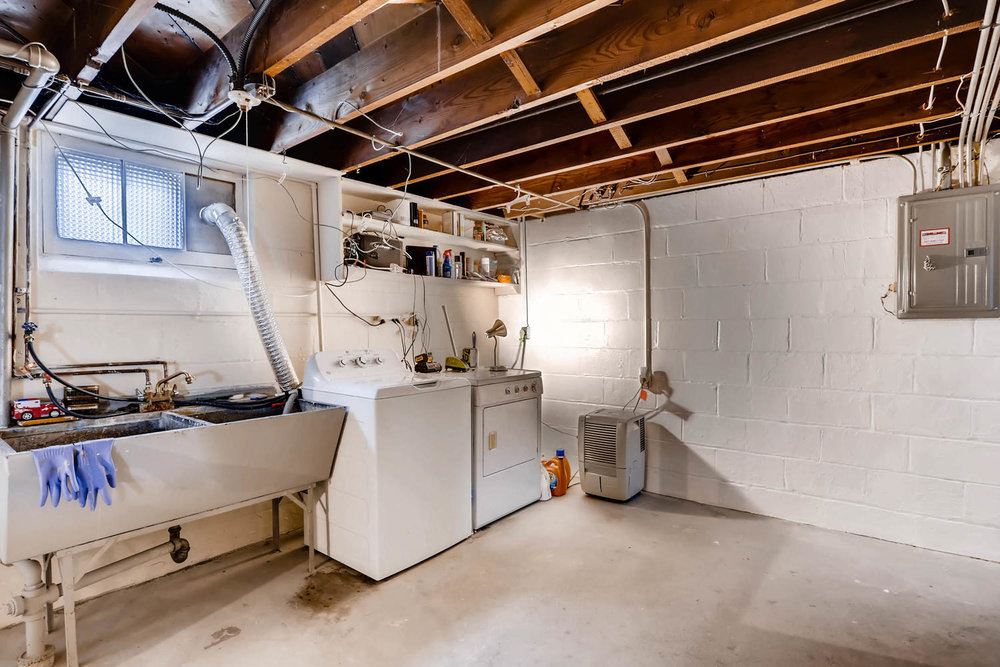 2519 3rd St NE Minneapolis MN-large-024-26-Lower Level Laundry Room-1500x1000-72dpi.jpg