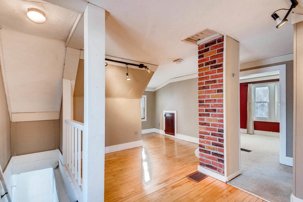 743 Pierce St NE Minneapolis-large-019-28-2nd Floor Loft-1500x1000-72dpi.jpg