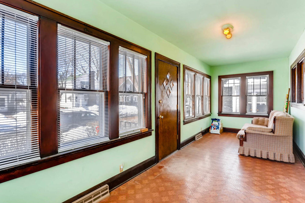 639 Quincy St NE Minneapolis-large-024-17-Sunroom-1500x1000-72dpi.jpg