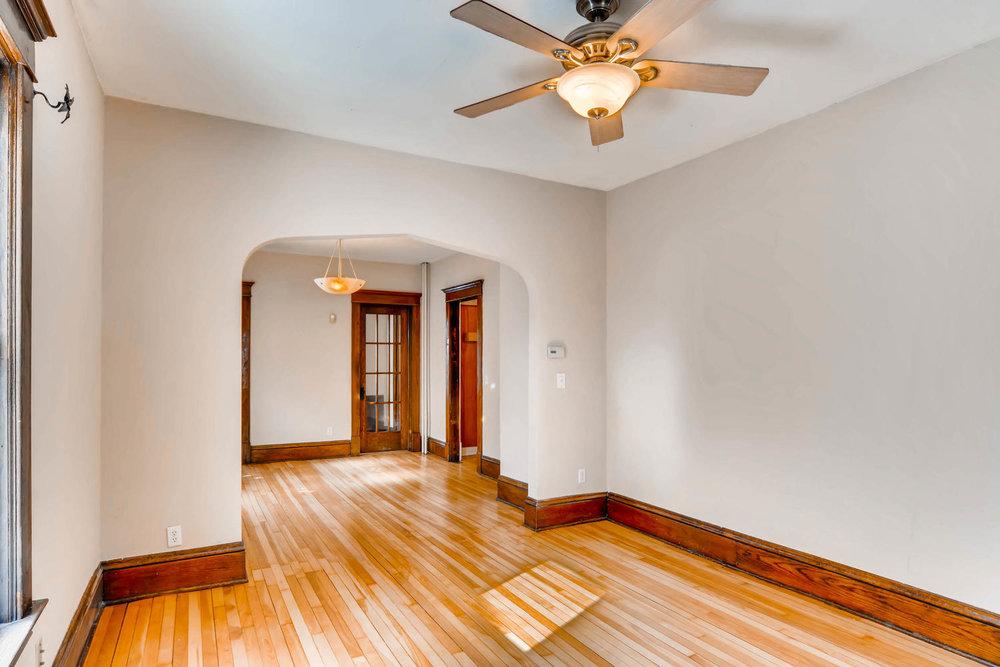 2526 Buchanan St NE-large-004-11-Living Room-1500x1000-72dpi.jpg