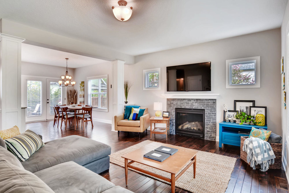 1811 Taylor St NE Minneapolis-large-004-32-Living Room-1500x1000-72dpi.jpg