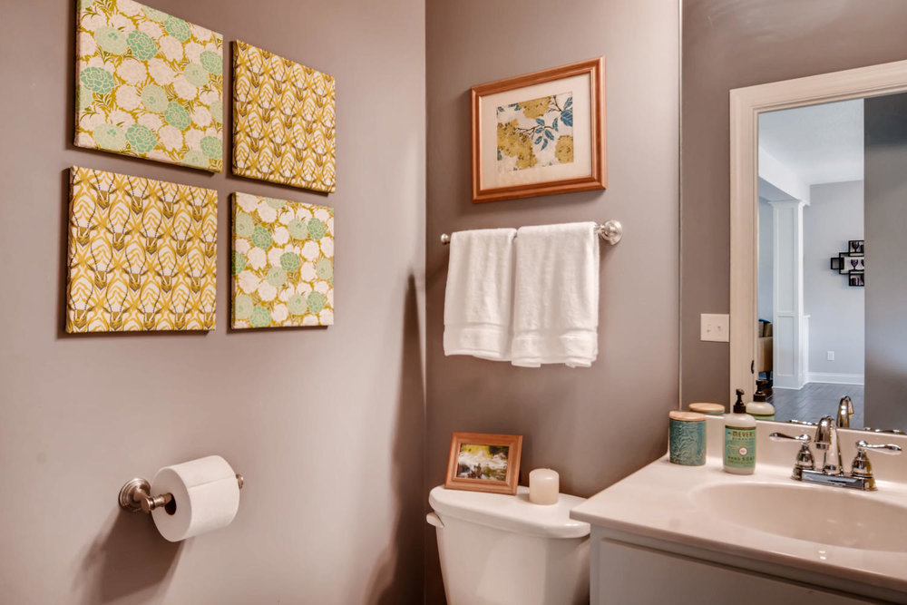 1811 Taylor St NE Minneapolis-large-012-34-Bathroom-1500x1000-72dpi.jpg