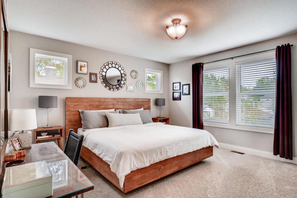 1811 Taylor St NE Minneapolis-large-013-36-2nd Floor Master Bedroom-1500x1000-72dpi.jpg
