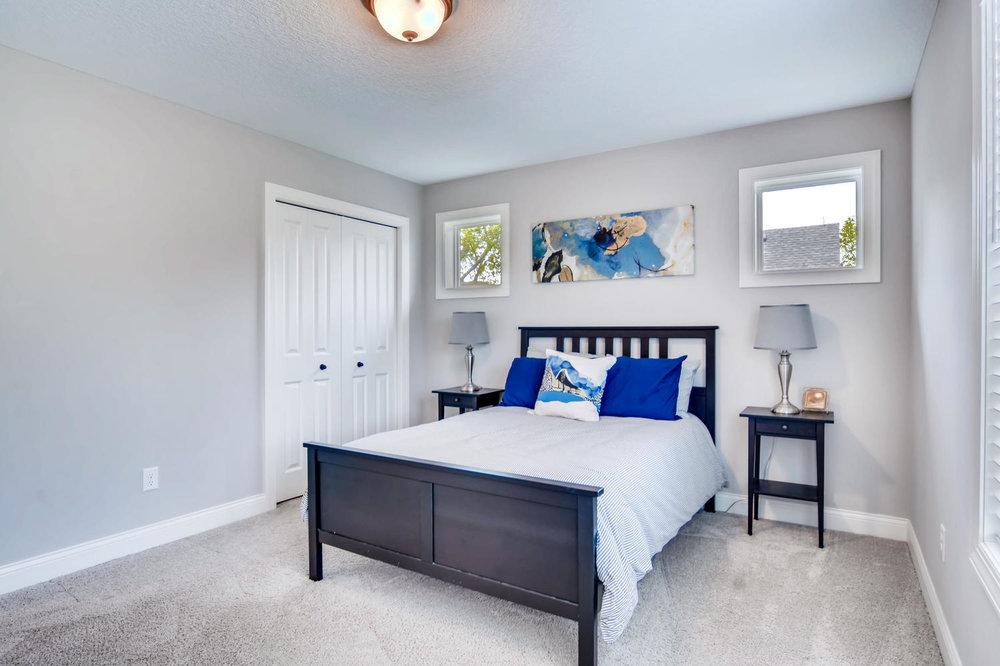 1811 Taylor St NE Minneapolis-large-020-30-2nd Floor Bedroom-1500x1000-72dpi.jpg