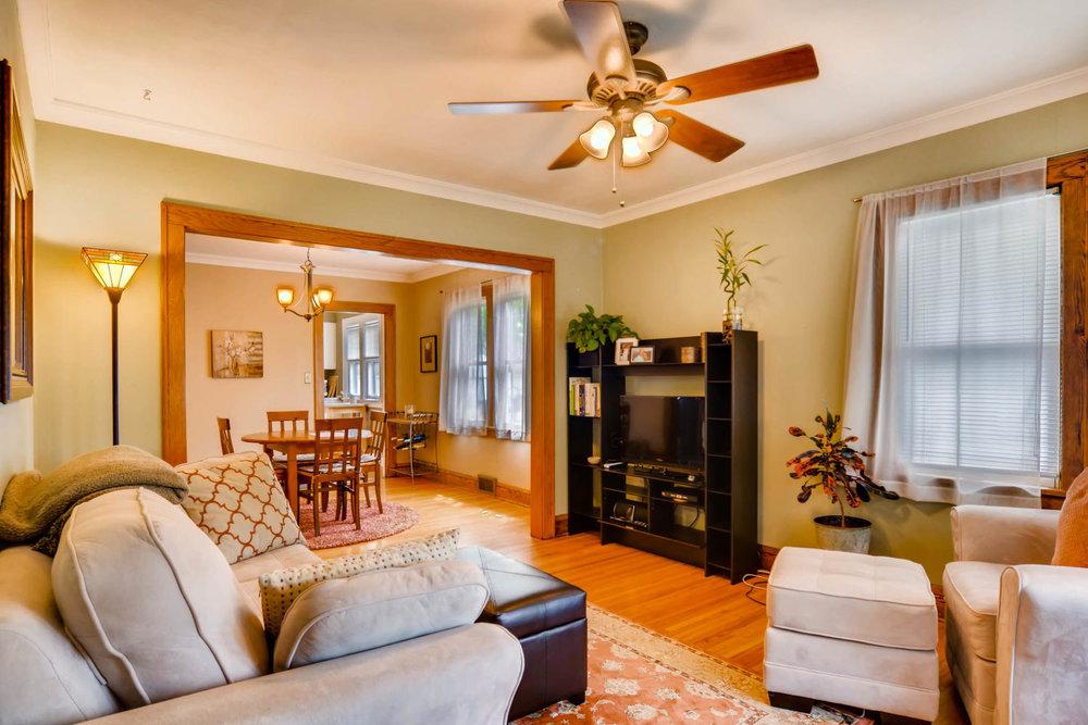 3147 Arthur St NE Minneapolis-large-006-6-Living Room-1500x1000-72dpi.jpg