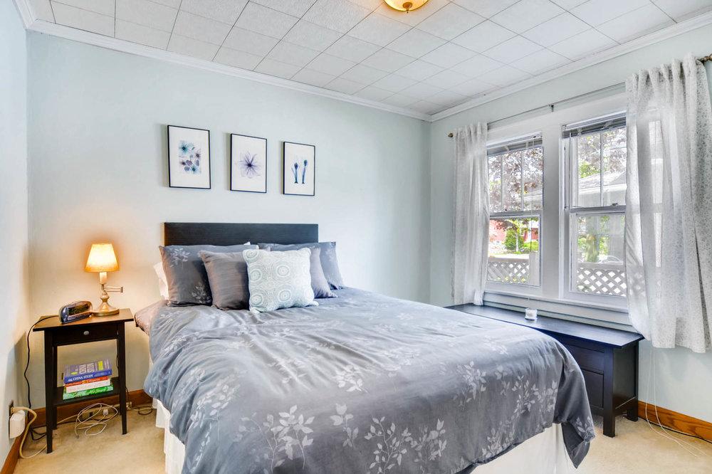 3147 Arthur St NE Minneapolis-large-012-4-Bedroom-1500x1000-72dpi.jpg