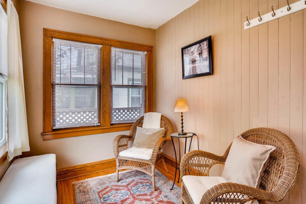 3147 Arthur St NE Minneapolis-large-020-20-Sunroom-1500x1000-72dpi.jpg